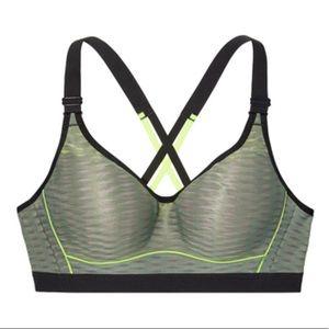 2176210ee34 Victoria s Secret Intimates   Sleepwear - Vs sport bra in Cadette Green